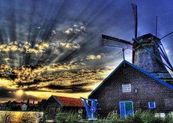 evenimetne bizare - sfatulparintilor.ro - pixabay_com - farmhouse-1638676