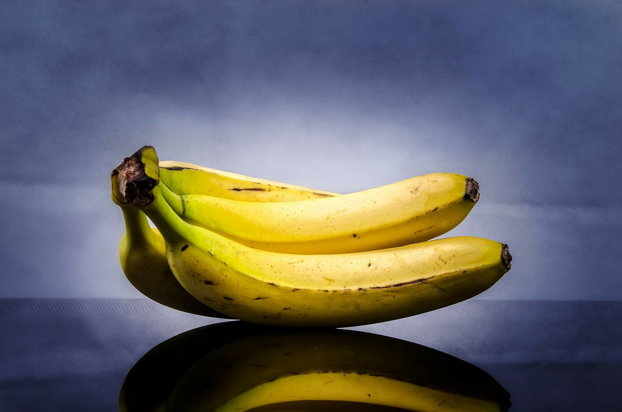 sa mananci banane - SFATULPARINTILOR.RO - PIXABAY- COM - banana-316649_1280