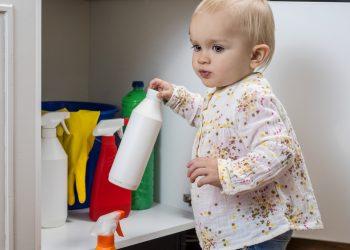 Datorita faptului ca organismul unui copil se afla in continua dezvoltare, exista o serie de substante toxice care sunt prezente, fara ca macar sa constientizam, zi de zi.