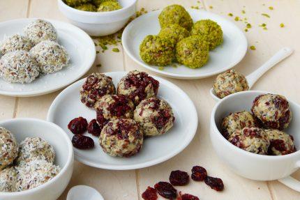 dieta rina - dulciuri - sfatulparintilor.ro - pixabay_com - energy-balls-2897663_1920