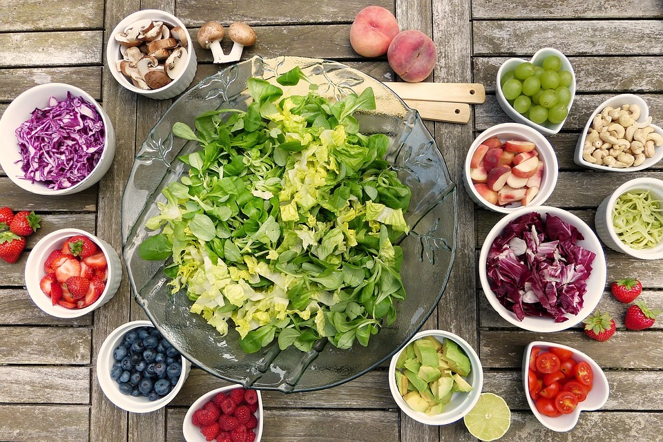 dieta rina - sfatulparintilor.ro - pixabay_com - salad-2756467_960_720