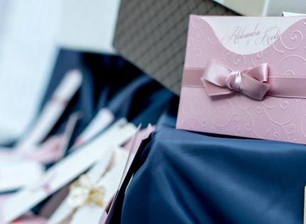 invitatii de nunta - sfatulparintilor.ro - pixabay_com - blue-1284240_1920