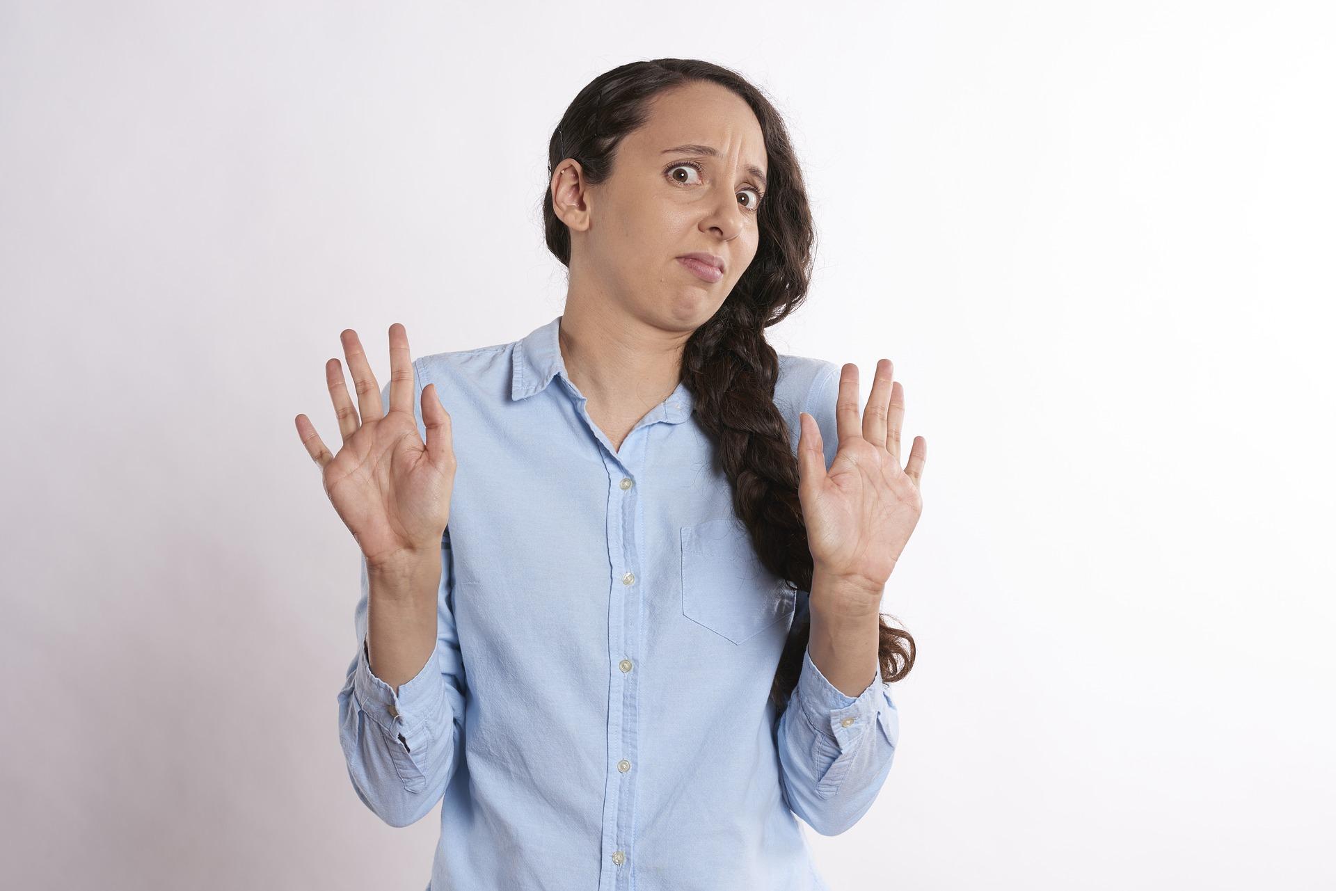 persoanele de care sa te feresti - sfatulparintilor.ro - pixabay_com - shocked-2681488_1920