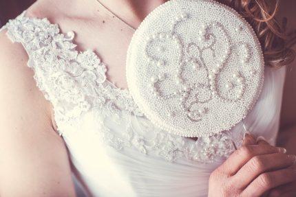 rochie de mireasa - silueta para - sfatulparintilor.ro - pixabay_com - mirror-1773726_1920