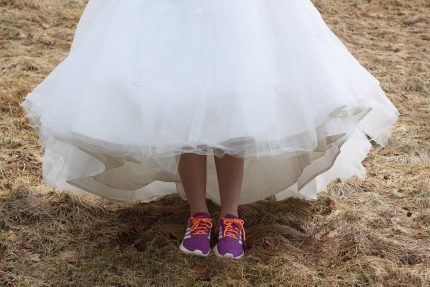 rochii de mireasa = fii tu insati- sfatulparintilor.ro - pixabay_com - wedding-dress-2152098_1920