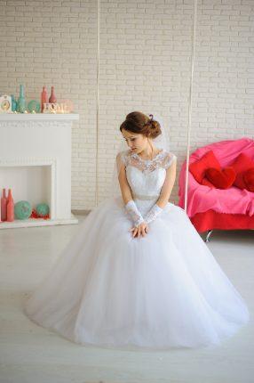 rochii de mireasa - multe poze - sfatulparintilor.ro - pixabay_com - bride-2257813_1920