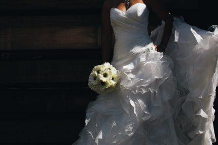 rochii de mireaasa - para - sfatulparintilor.ro - pixabay_com - bride-458119_1920