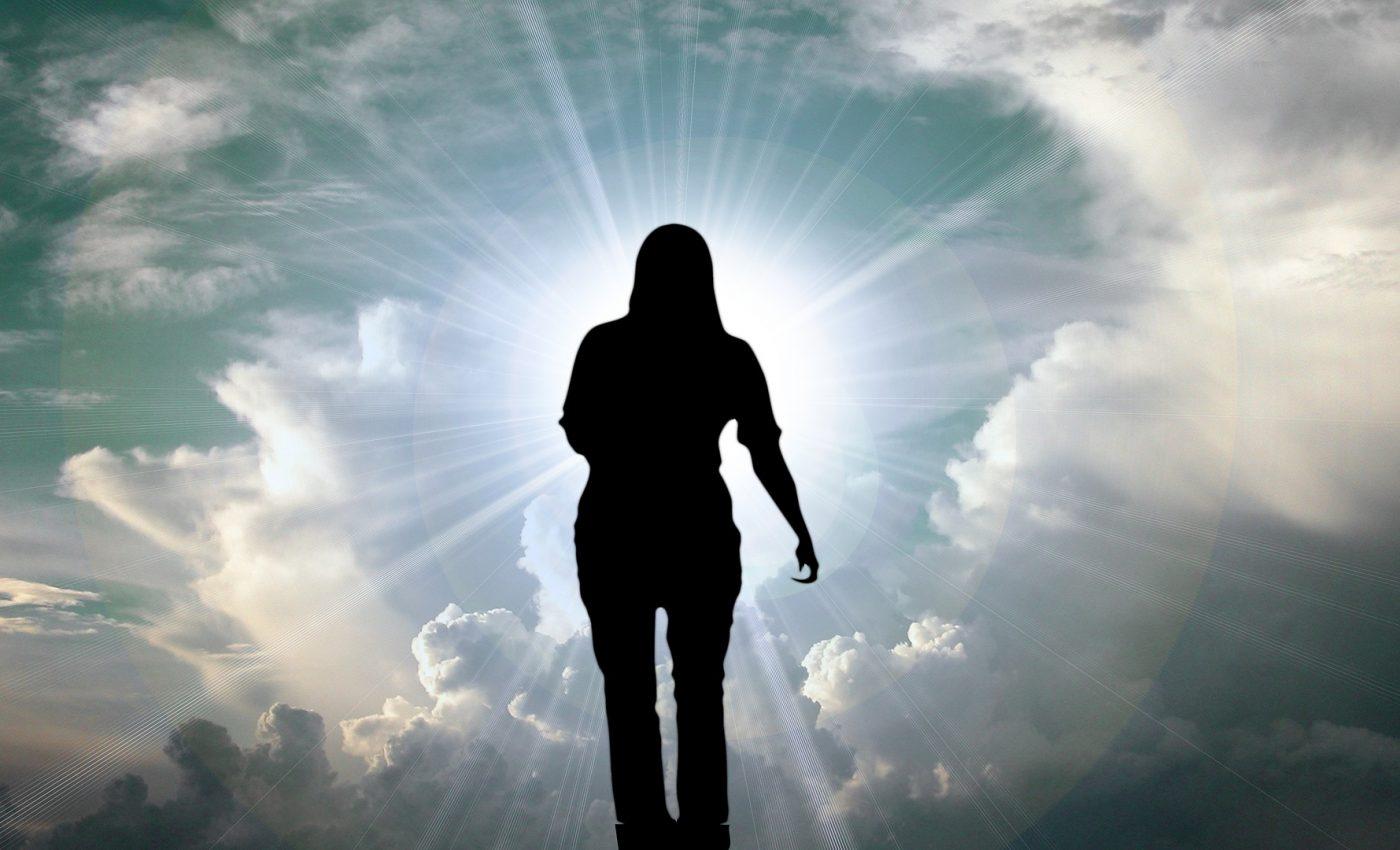 se intampla cand mori - sfatulparintilor.ro - pixabay_com - clouds-806637_1920