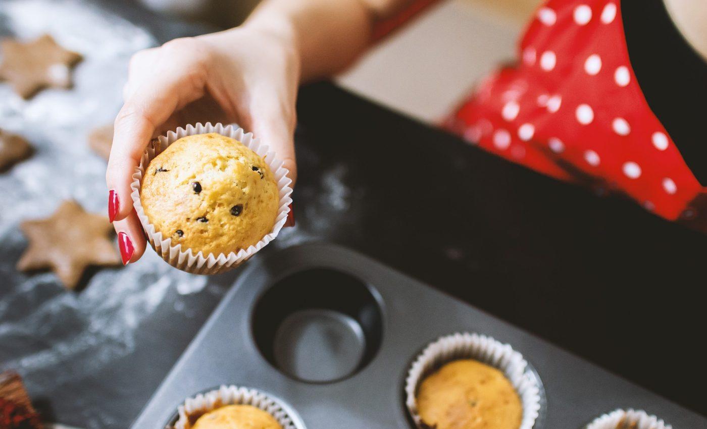 cand faci prajituri - sfatulparintilor.ro - pixabay_com - cooking-1940689_1920