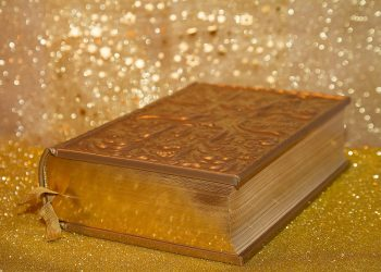 ce inseamna cand visezi aur - sfatulparintilor.ro - pixabay_com - book-3005680_1920
