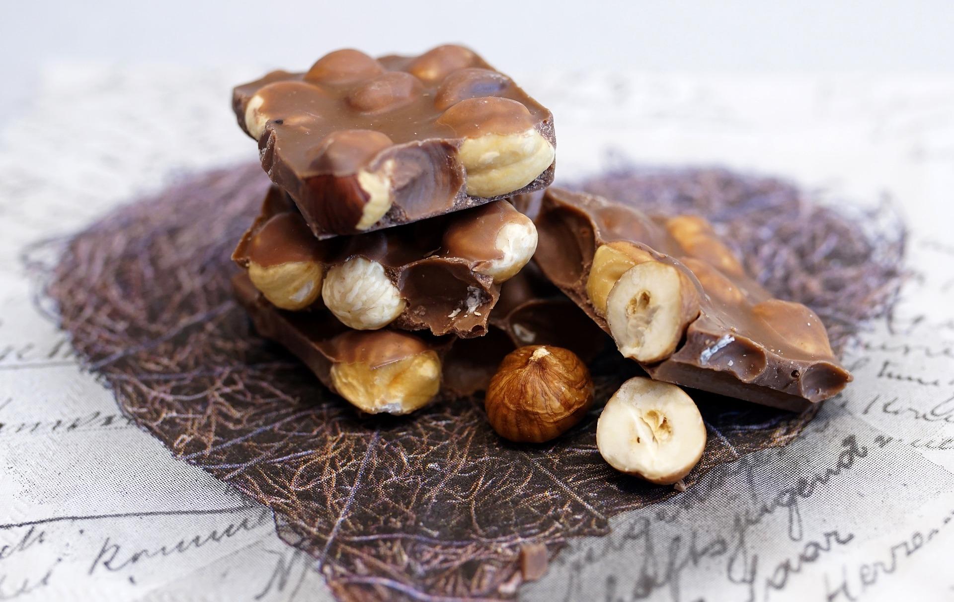 ciocolata de casa - sfatulparintilor.ro - pixabay_com - chocolate-3012752_1920