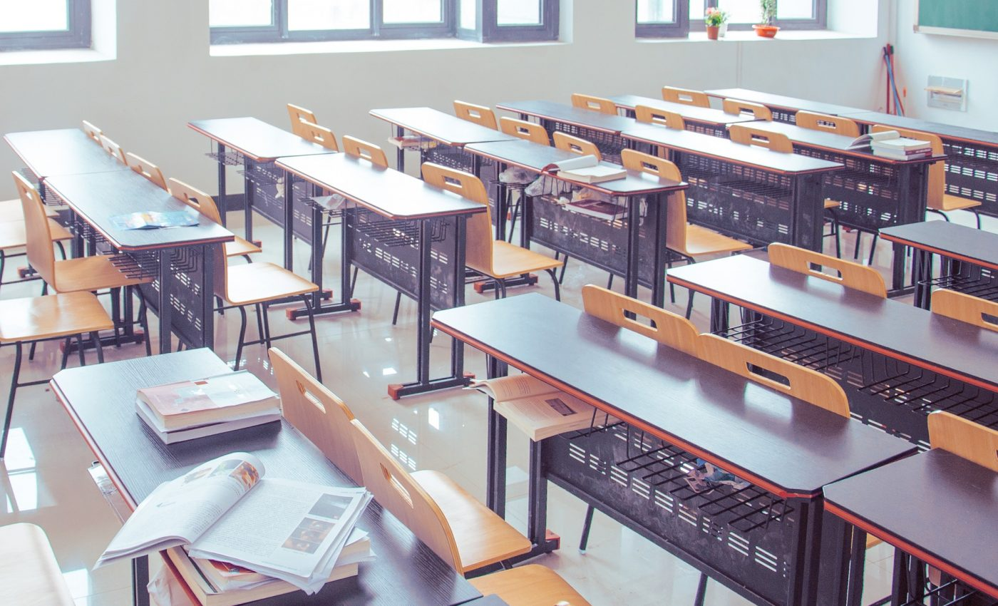 cum se calculeaza media de admitere la liceu - sfatulparintilor.ro - pixabay-com - classroom-2787754_1920