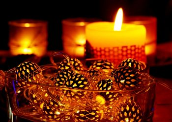 farmece dragoste - sfatulparintilor.ro - pixabay-com - candles-3057011_1920