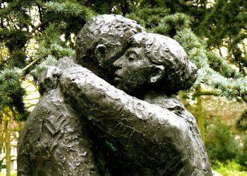 iertare - sfatulparintilor.ro - pixabay_com - forgive-208824_1920
