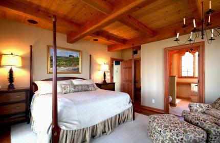 mobila dormitor - sfatulparintilor.ro - pixabay_com - bedroom-410633_1920