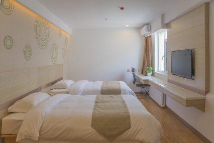 mobila dormitor - sfatulparintilor.ro - pixabay_com - furniture-3062400_1920