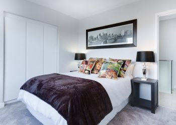 mobila dormitor - sfatulparintilor.ro - pixabay_com - modern-minimalist-bedroom-3100786