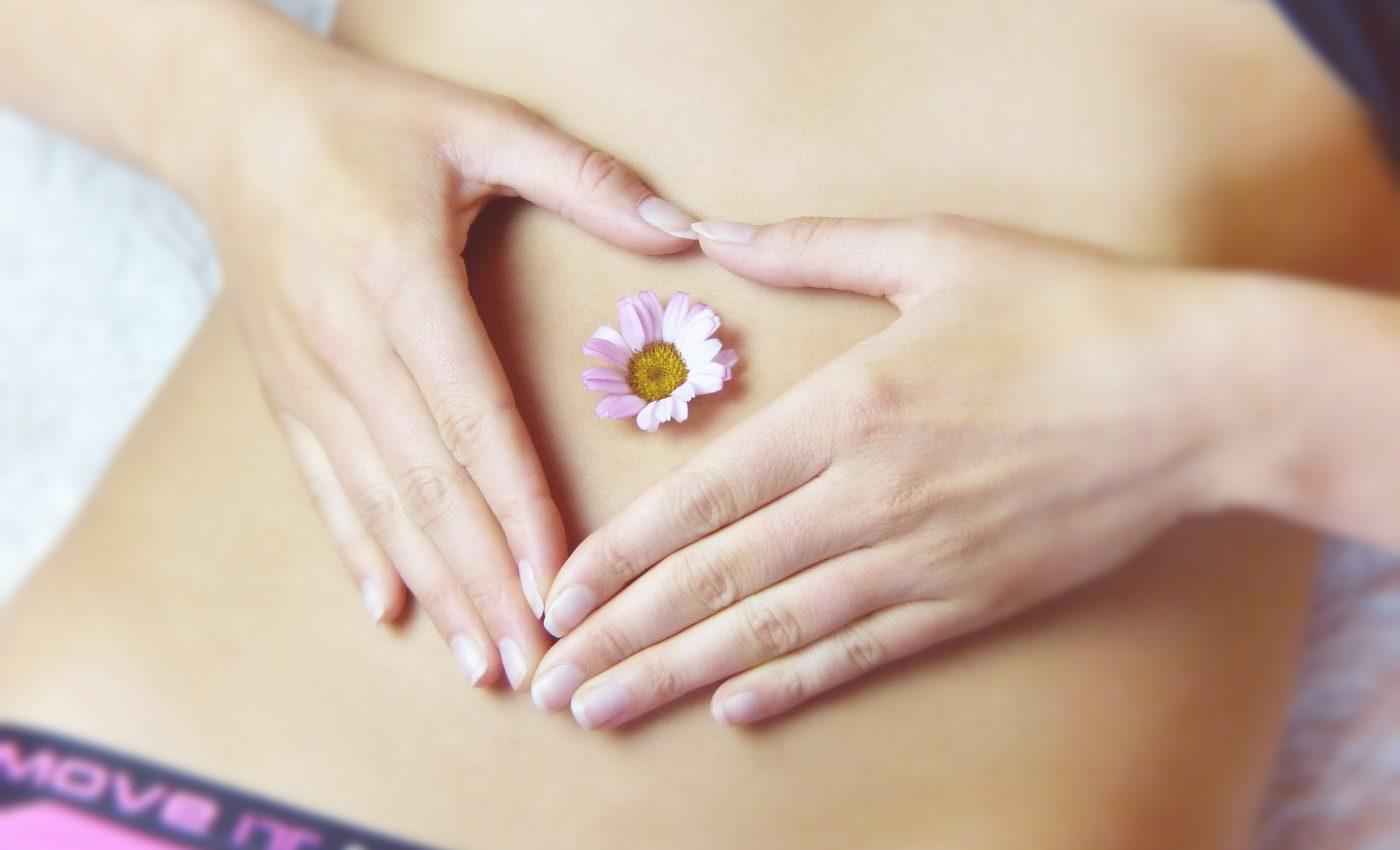 Alimente grabire menstruatie- sfatulparintilor.ro - pixabay_com - belly-3186730