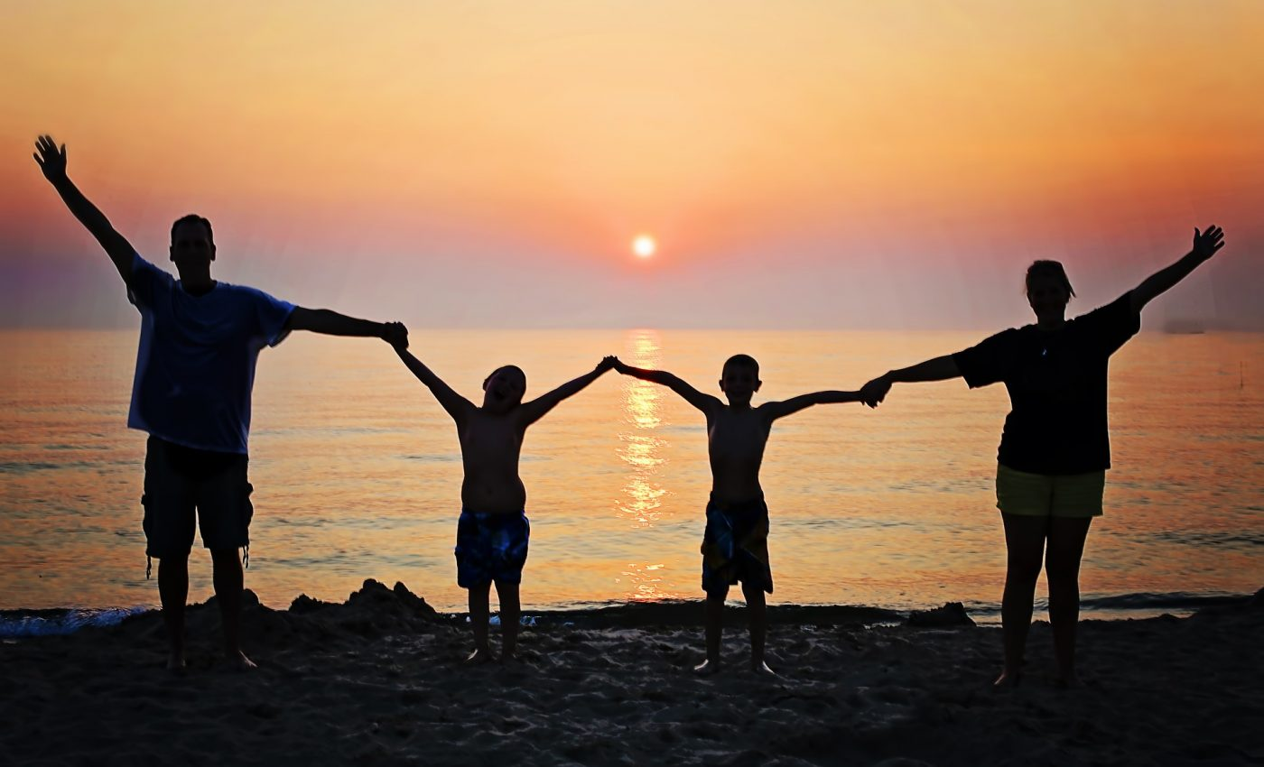 combinatii zodii parinti - sfatulparintilor.ro - pixabay_com - family-2611748_1920