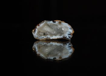 cristale astenie de primavara - sfatulparintilor.ro - pixabay_com - calcite-geode-2530734