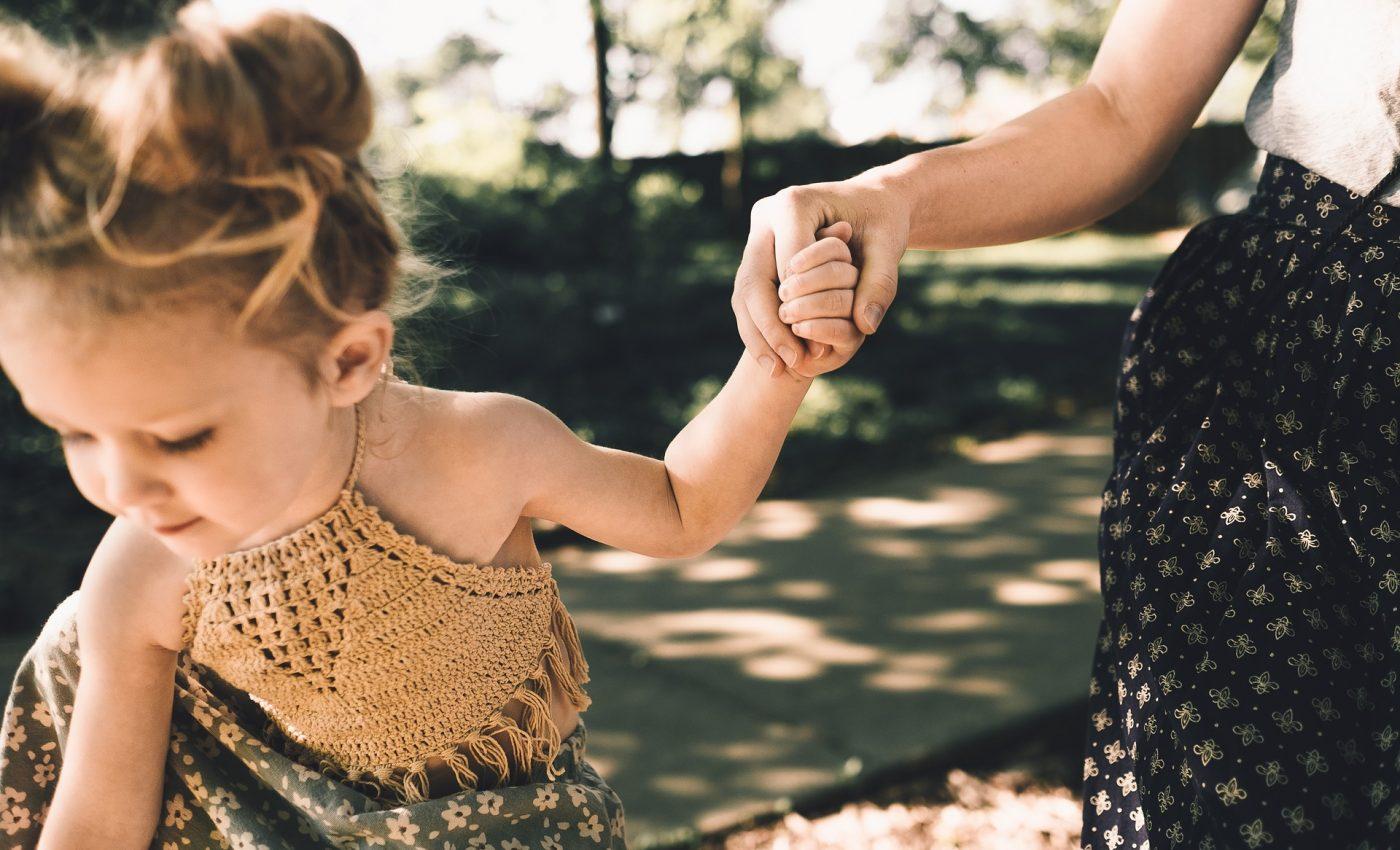 lucruri pe care mama ta nu ti le-a spus - sfatulparintilor.ro - pixabay_com - people-2566855_1920