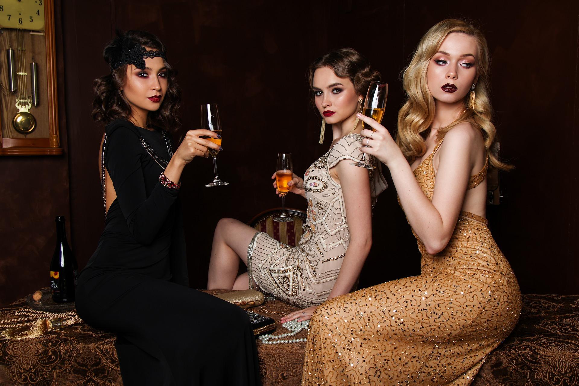 rochii elegante - sfatulparintilor.ro - pixabay_com - three-3075752_1920