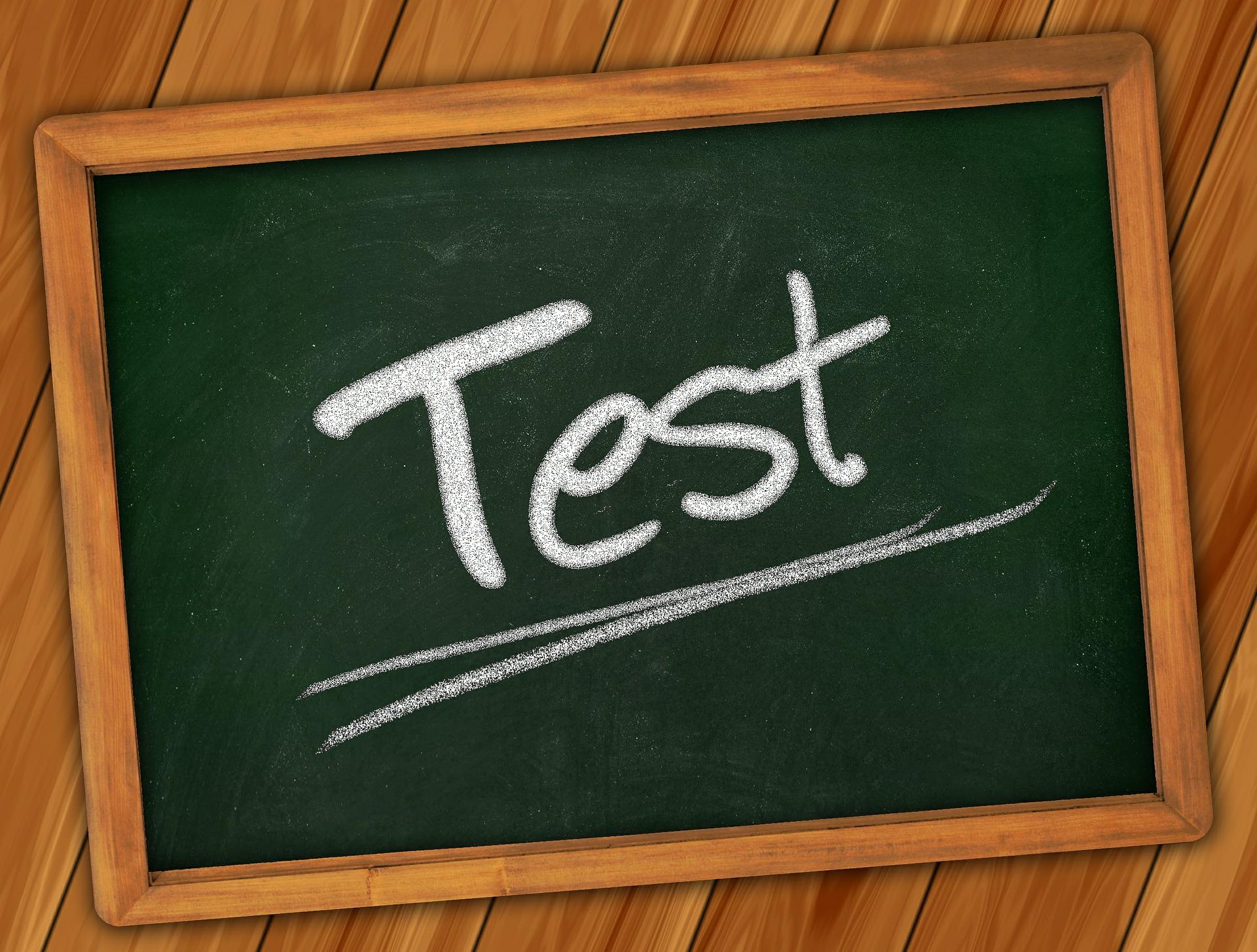 simularea Evaluare Nationala pentru clasa a VIII-a - sfatulparintilor.ro - pixabay_com - board-361516_1920