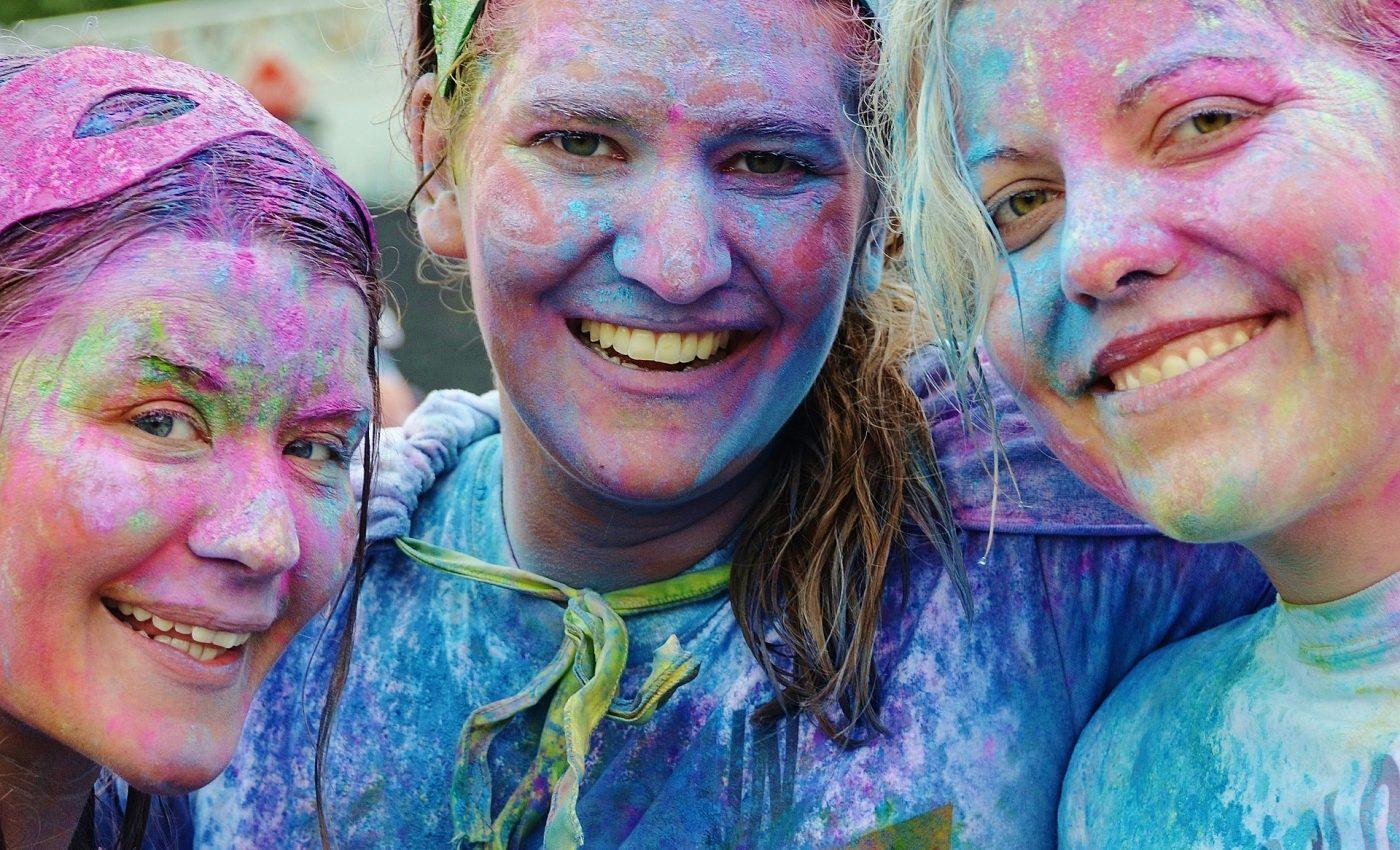 ce te face fericit- sfatulparintilor.ro - pixabay_com - girls-438152_1920