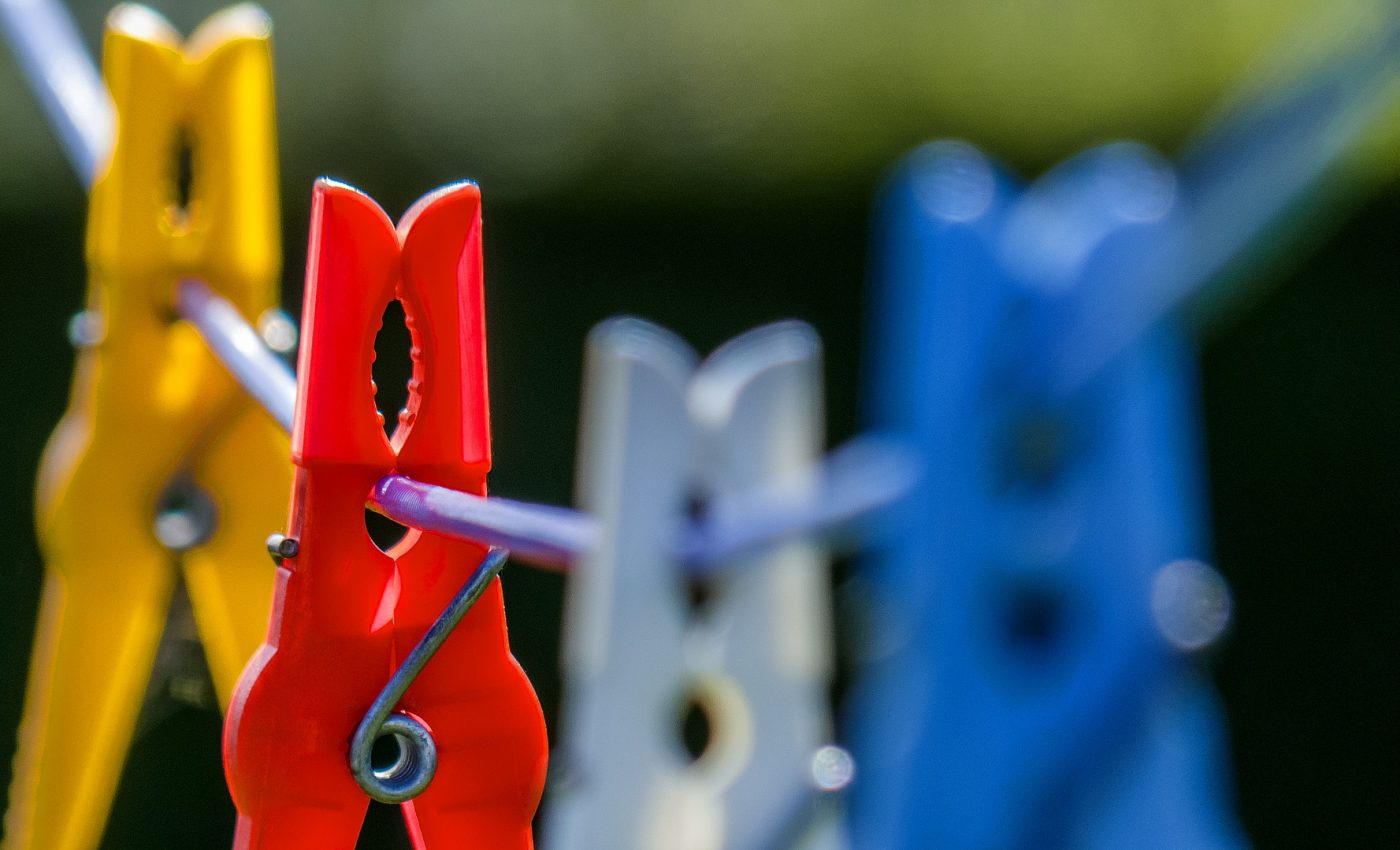 uscare haine - sfatulparintilor.ro - pixabay_com - laundry-1350593_1920
