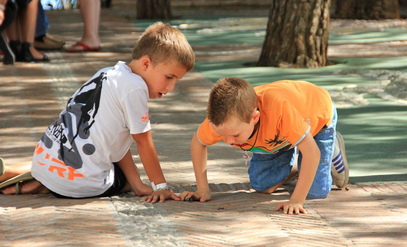viermisori la copii - sfatulparintilor.ro - pixabay_com - child-3281615_1920