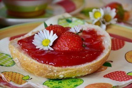 dulceata de capsuni - sfatulparintilor.ro - pixabay_com - breakfast-2287744_1920
