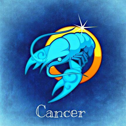 horoscop weekend - sfatulparintilor.ro - pixabay_com - cancer-759378_1920