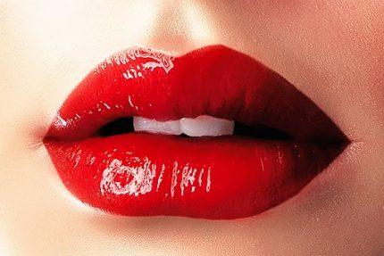 Machiaj vara 2018 - sfatulparintilor.ro - pixabay_com - lips-1991471__340
