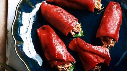 Retete rapide 1 Rulouri cu ardei capia copt si ton - 200901-omag-piquillo-peppers-949x534