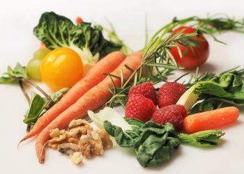 alimente alcaline - sfatulparintilor.ro - pixabay_com - vegetables-1085063_1920