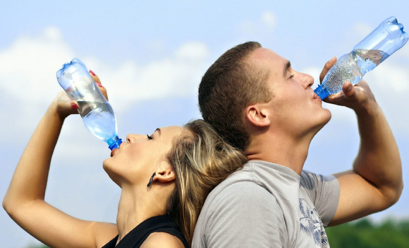 mituri despre deshidratare - sfatulparintilor.ro - pixabay_com - drinking-water-filter-singapore-1235578