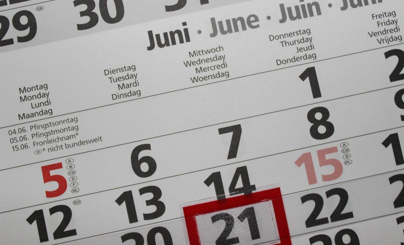 nascuti in luna iunie - sfatulparintilor.ro- pixabay_com - calendar-2428560_1920