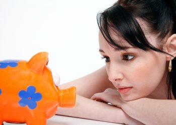 banii nu aduc fericirea - sfatulparintilor.ro - pixabay_com - piggy-bank-850607_1920