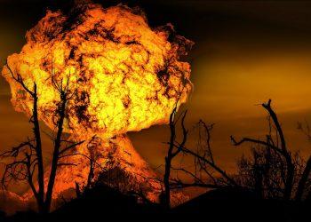 coplesit de stiri - sfatulparintilor.ro - pixabya_com - explosion-123690_1920