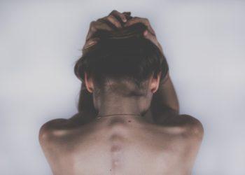 exercitii pentru durerile de spate - sfatulparintilor.ro - pixabay_com - woman-2609115_1920