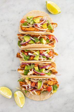mancare rapida - Tacos cu pui- 1520957081-chicken-tacos-vertical