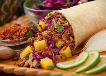 saorma de casa - sfatulparintilor.ro - pixabay_com - grilled-pineapple-pork-burrito-2944562_1920