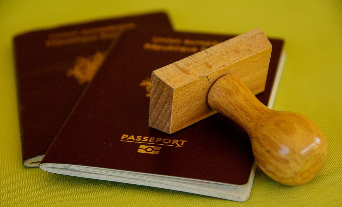 Acte necesare pasaport - sfatulparintilor.ro - pixabay_com - buffer-1143485_1920