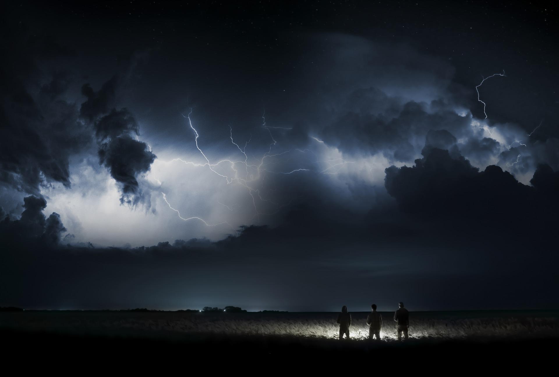 venus in umbra retrograda - sfatulparintilor.ro - pixabay_com - storm-3041241_1920