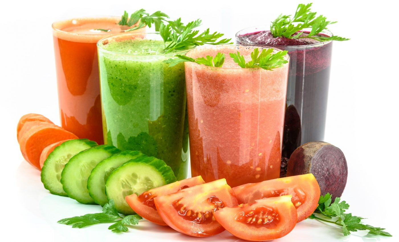 cocktail-uri care tin cancerul departe - sfatulparintilor.ro - pixabay_com - vegetable-juices-1725835_1920