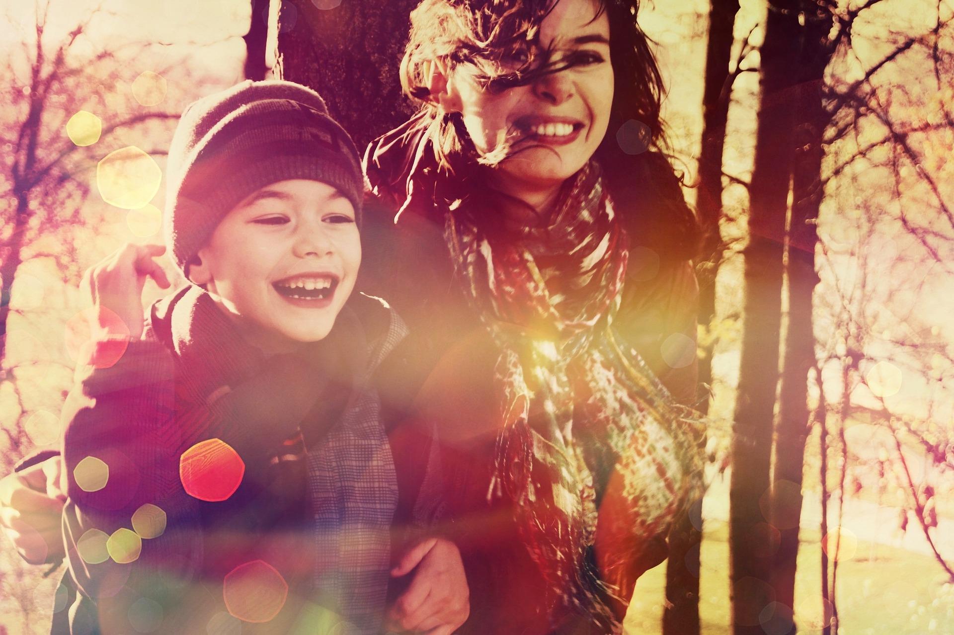 cum se poarta cu mama lui - sfatulparintilor.ro - pixabay_com - baby-864137_1920