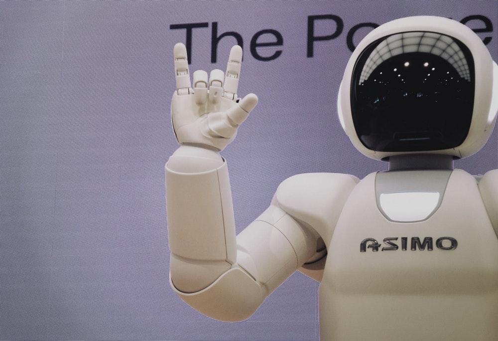 Automatizarea inteligenta a proceselor si viitorul locurilor de munca. Top 5 job-uri care vor disparea