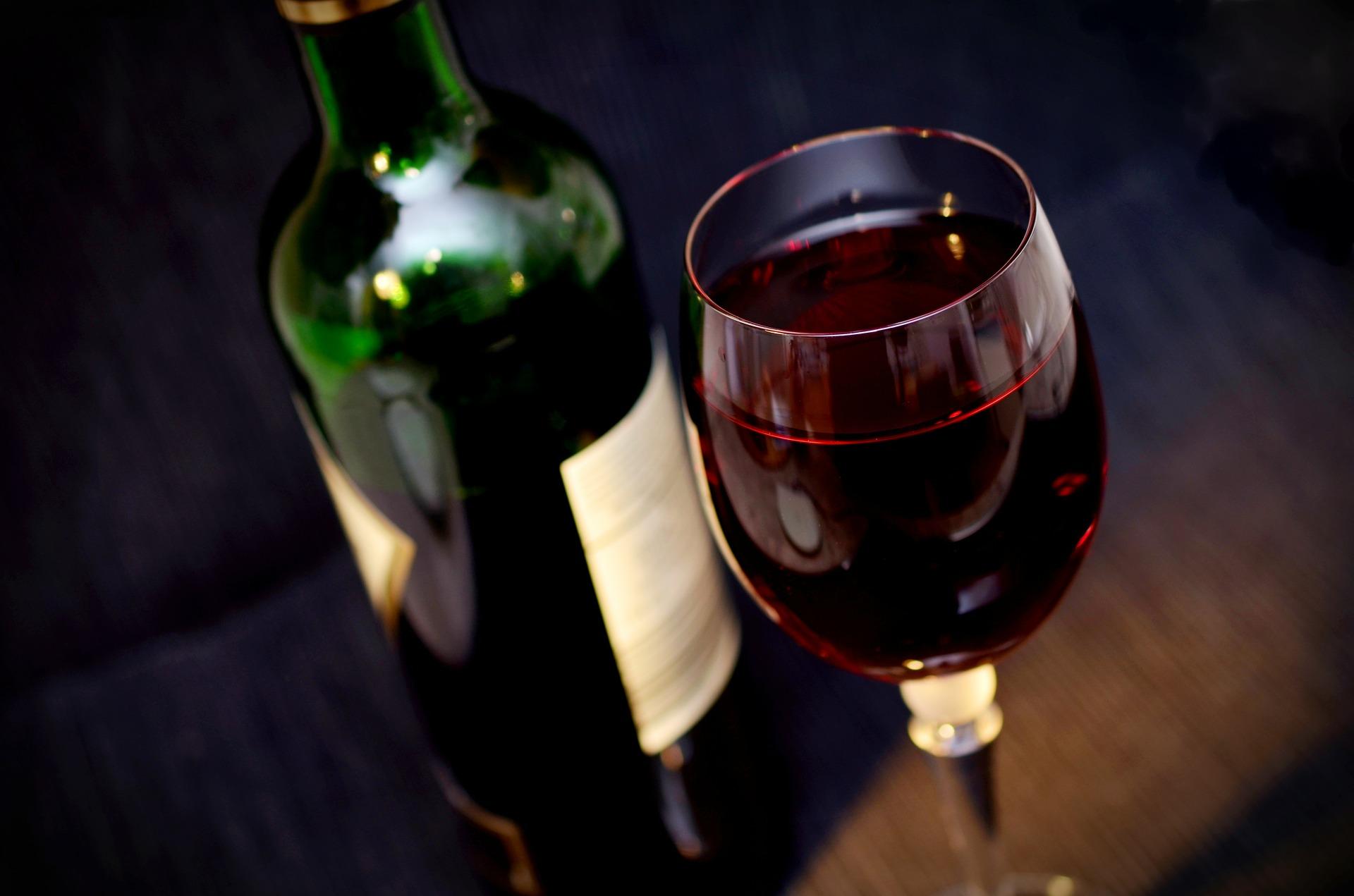 STUDIU NOU! Ce se intampla daca bei vin rosu in fiecare seara