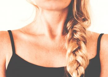 barbia dubla - sfatulparintilor.ro - pixabay_com - adults-1853851_1920