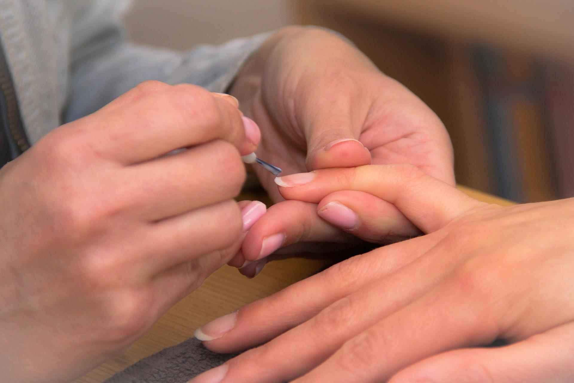probleme de sanatate unghii - sfatulparintilor.r o - pixabay_com - fingers-376812_1920